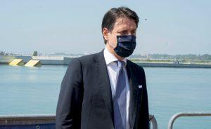 Prima de riesgo: La deuda italiana está a punto de dar el 'sorpasso' a la española gracias a Conte | Autor del artículo: Cristina Casillas