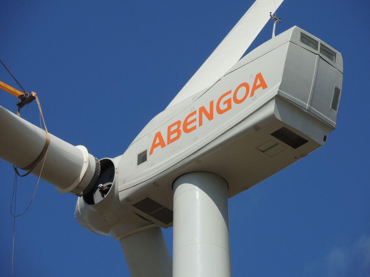 El administrador concursal de Abengoa tiene sobre la mesa dos ofertas que cuentan con similitudes clave en común, como el control total de la empresa o el rol de la SEPI, pero también diferencias con los minoritarios como protagonistas