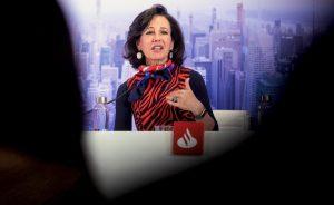 Banco Santander no consigue quitarse de encima al fondo de cobertura AQR Capital que vuelve a atacar a la entidad de Ana Botín y van ya una docena de movimientos este curso