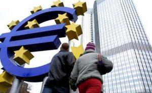 Divisas: El euro recupera terreno en la peor semana del dólar en 11 años | Autor del artículo: Raúl Poza Martín
