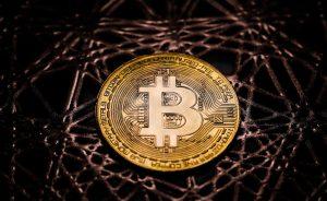 Divisas: Bitcoin. Los fondos liquidan posiciones a la carrera | Autor del artículo: Cristina Casillas