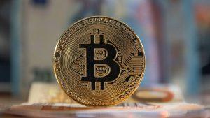 El bitcoin apunta hacia los 90.000 dólares