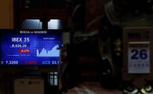 Compás de espera en los mercados