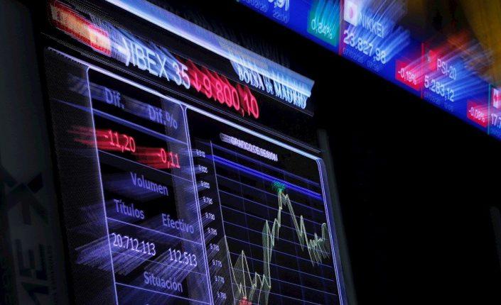El IBEX 35 busca este viernes superar la resistencia clave de los 9.000 puntos con el apoyo de la banca y las turísticas