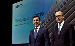 IBEX 35: BBVA reduce las provisiones un 45% hasta perder 1.157 millones en el semestre | Autor del artículo: Raúl Poza Martín