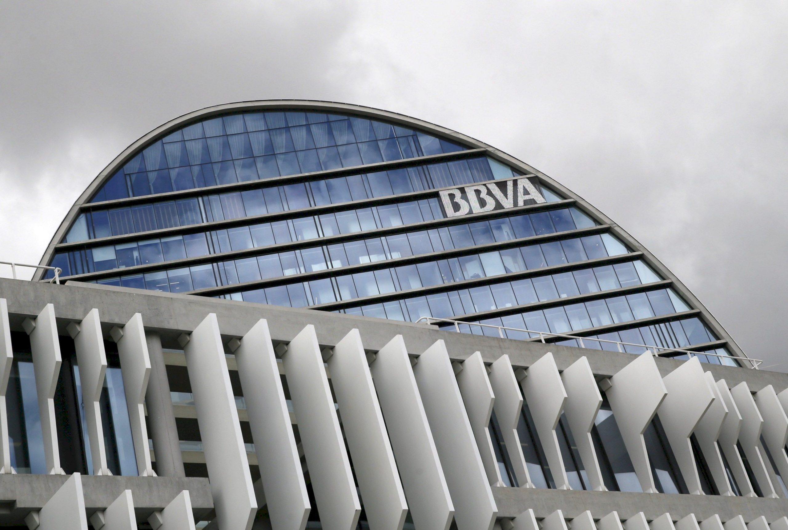 Finanzas personales: La banca dispara las comisiones de los clientes menos vinculados | Autor del artículo: Cristina Casillas