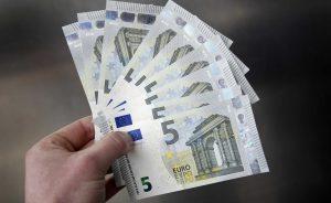 Finanzas personales: Guardar el dinero en casa para evitar las comisiones bancarias, ¿es legal? | Autor del artículo: Finanzas.com