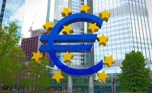 El mercado apuesta por más caídas del euro