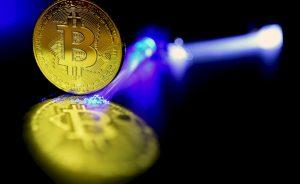 Divisas: El coronavirus conduce al bitcoin hacia los 20.000 dólares   Autor del artículo: Noelia Tabanera