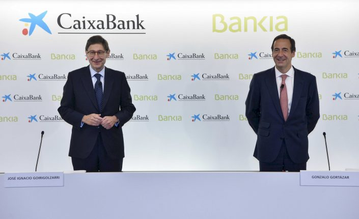 Caixabank estrena campaña comercial, la primera tras la fusión con Bankia