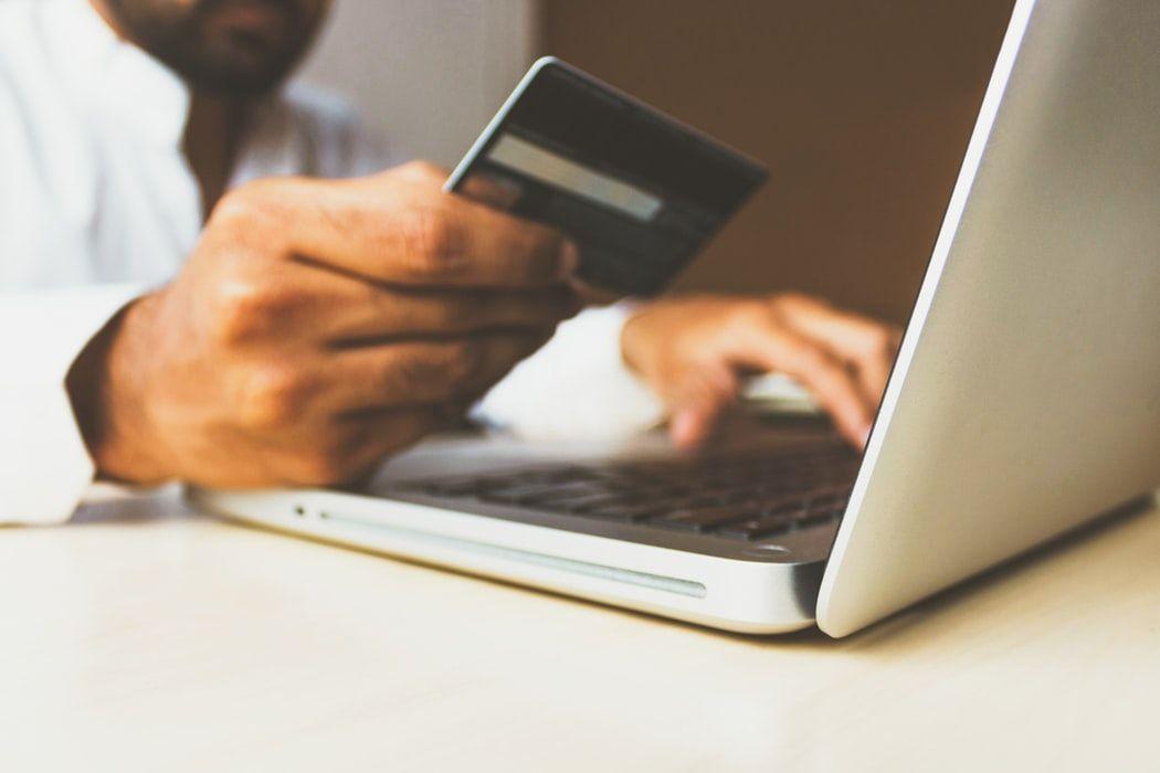 Finanzas personales: ¿En qué casos el banco me devolverá el dinero robado de mi tarjeta? | Autor del artículo: Daniel Domínguez