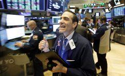 Los inversores castigan a IBM por sus resultados pese a volver al crecimiento en ventas. El mercado avisa al sector y exige cifras sólidas tras aupar a las tecnológicas a máximos