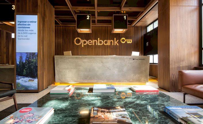 El banco puramente digital del Santander, Openbank, consigue duplicar la captación de clientes durante la pandemia y supera el medio millón