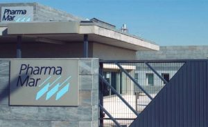 Los títulos de Pharmamar pierden el 35% desde los máximos anuales reduciendo su avance en el curso por debajo del 10%. Pese a ello, sus acciones siguen entre las tres más caras del IBEX 35