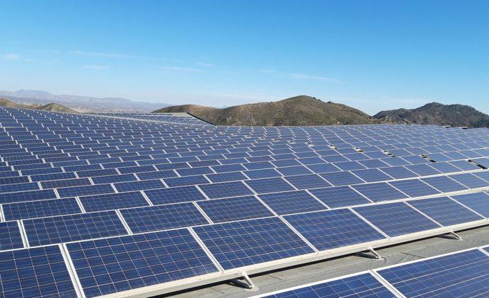 Empresas: El mercado mira a Grenergy tras la opa sobre Solarpack | Autor del artículo: Cristina Casillas