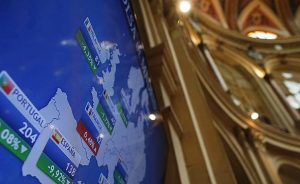 Renta fija: El bono español a diez años baja a niveles previos al estado de alarma | Autor del artículo: Cristina Casillas