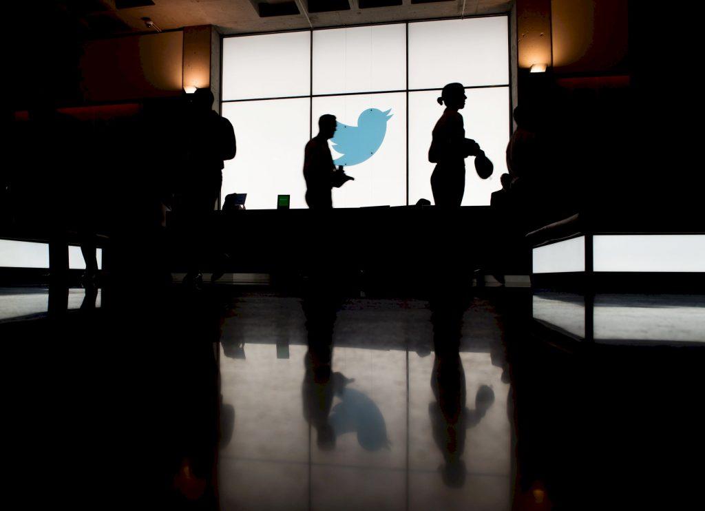 Renta variable: Cathie Wood se sumerge en Twitter en medio del desplome de la red social | Autor del artículo: Finanzas.com