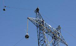 Las eléctricas se unen para pedir al Gobierno una revisión de la tarifa de la luz.