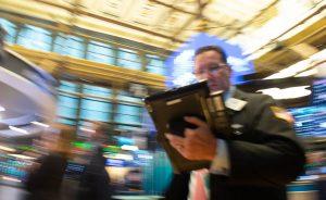 Mercados: El indicador del pánico anticipa una tormenta en las bolsas | Autor del artículo: José Jiménez