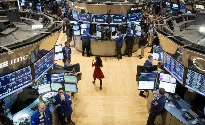 Desempleo: La encrucijada del inversor: ¿comprar con los recortes o esperar? | Autor del artículo: Alejandro Ramírez