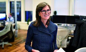 Cathie Wood tiene a punto su ETF en bitcoins