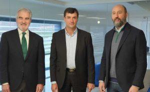 Los hermanos Amodio, propietarios de OHL, lanzan una oferta de 250 millones de euros por Abenewco1, donde los minoritarios pasarían a controlar el 35% a través de una ampliación de capital