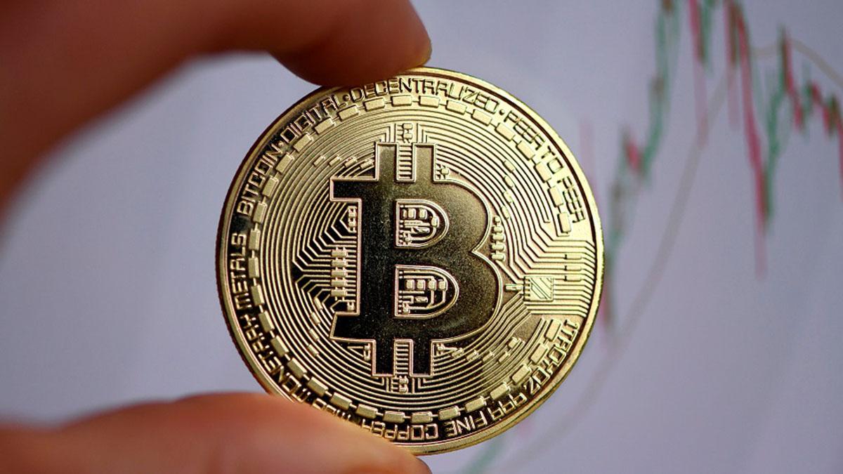 Divisas: El bitcoin acecha sus máximos históricos en vísperas del estreno en el Nasdaq de Coinbase | Autor del artículo: José Jiménez