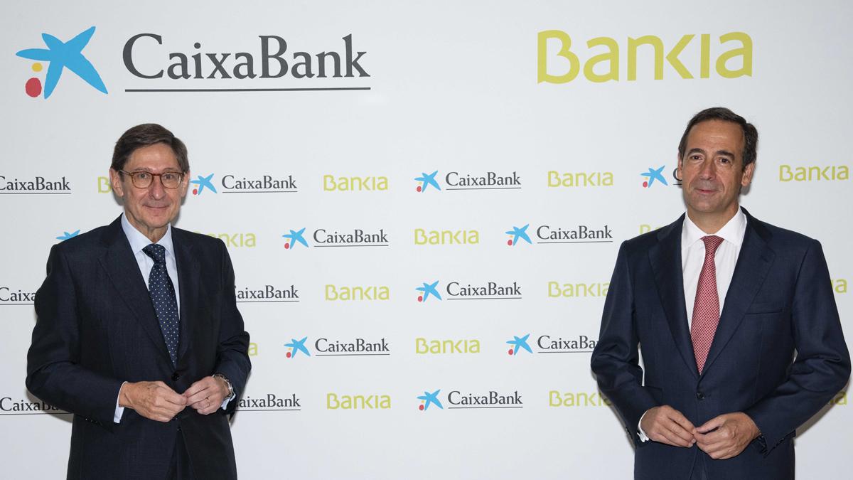 Caixabank cierra el semestre con unas ganancias de 4.181 millones de euros gracias a la integración de Bankia, lo que permite a la entidad destinar el 50 por ciento del beneficio al pago de dividendo