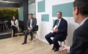 Foros: La dificultad de asesorar a inversores «maniatados» | Autor del artículo: Esther García López