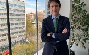 Juan López-Belmonte, presidente de Rovi, eleva su fortuna hasta los 1.500 millones de euros gracias al acuerdo de su compañía para la fabricación de la vacuna de Moderna
