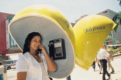 La filial de Telefónica en Alemania vislumbra la recuperación de negocio para este curso, pero los efectos negativos del tipo de cambio en Brasil añaden más presión a la 'teleco'