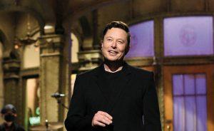 Elon Musk afectó al bitcoin y al dogecoin. En la imagen, su intervención en el programa 'Saturday Night Live'