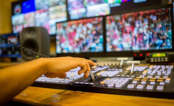 Las teles compensan la caída del consumo televisivo con el alza de la publicidad
