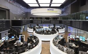 Los mejores beneficios por acción del EuroStoxx 50 son para las referencias francesas del lujo y las grandes aseguradoras alemanas que apuntan a un escenario alcista en el segundo semestre