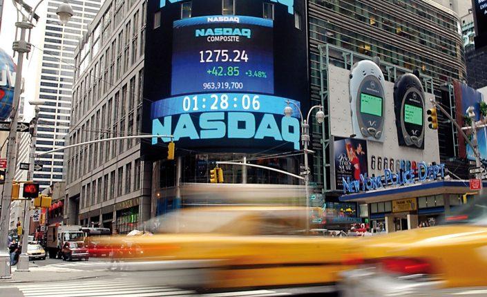 Mercados: El Nasdaq 100 tiene en la sobrecompra a su gran rival | Autor del artículo: Finanzas.com