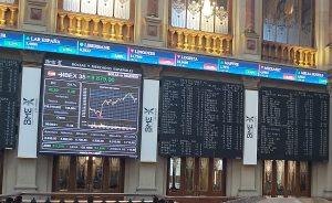El buen comportamiento del sector bancario, más Repsol, permiten al IBEX 35 volver a los 8.800 puntos en otra jornada de buen desempeño en los parqués europeos