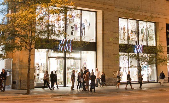 Empresas: H&M sigue el camino de Inditex y se apoya en las ventas online para sostener el negocio   Autor del artículo: Cristina Casillas